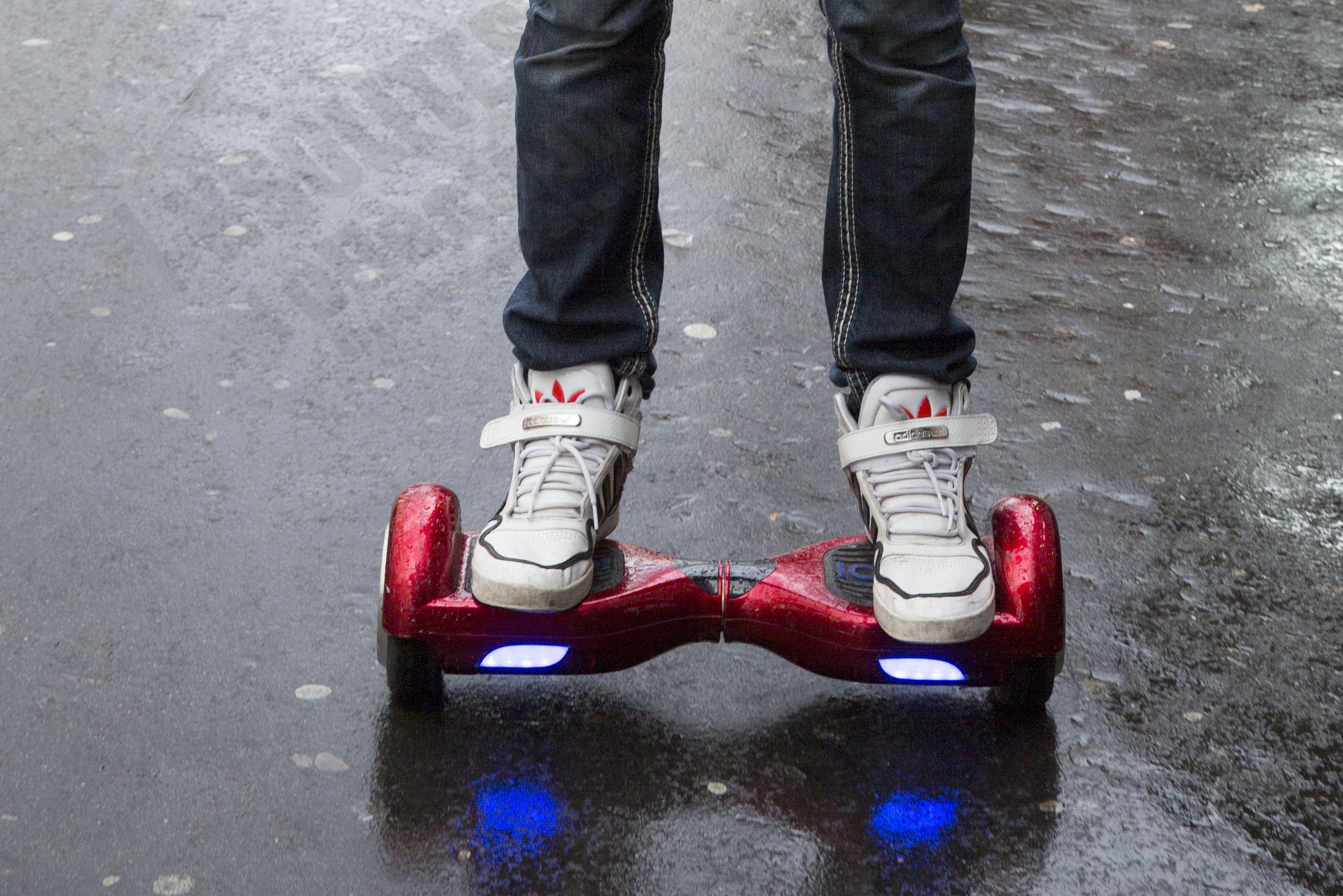 Skateboard gyroscopique: nous avons testé l'Insolites Board