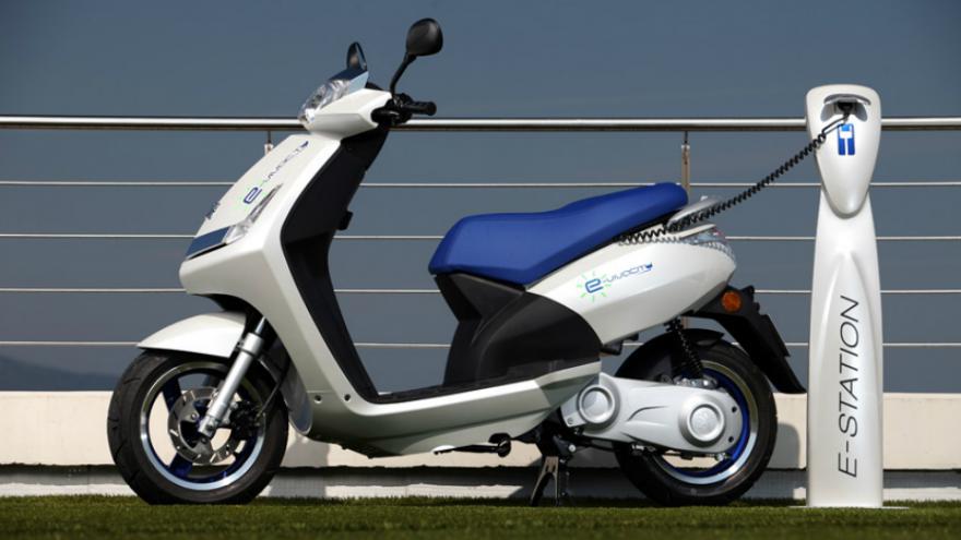 Le scooter électrique dans les starting-blocks