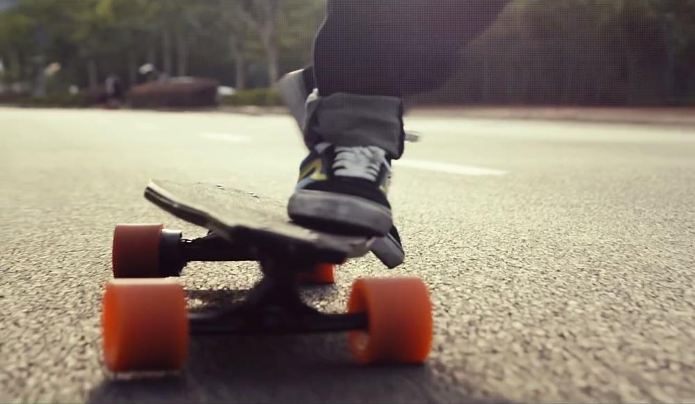 Stary, le skateboard électrique le plus léger au monde