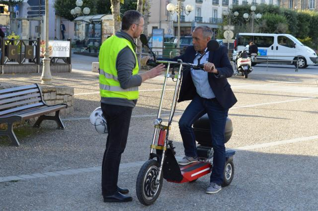 Dinan. Il réalise un tour de Bretagne pour promouvoir sa trottinette