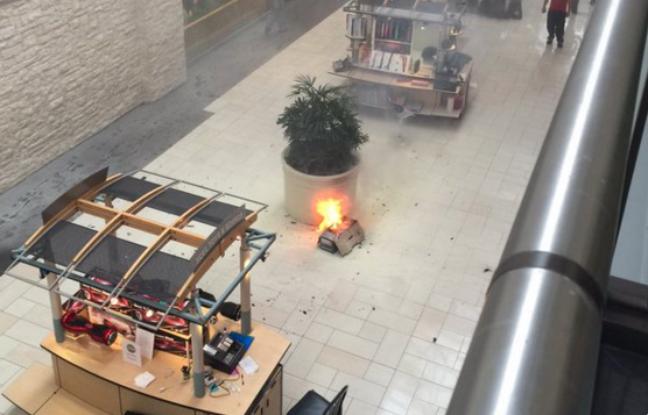 Etats-Unis: Un hoverboard prend feu dans un centre commercial