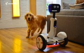 CES 2016 : Intel cache un robot mignon dans un Segway
