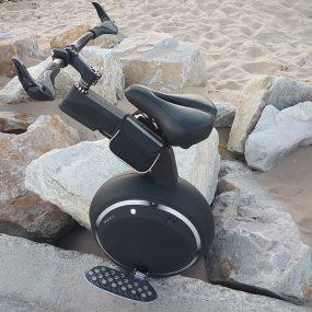 Test exclusif : Noonrider Balance Bike, la roue électrique qui se prend pour un vélo