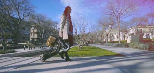 Mobilité urbaine : une trotinette solaire tricolore présentée à Las Vegas