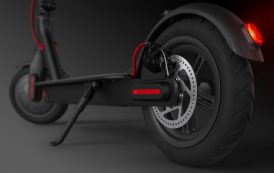 M365 – Xiaomi sort sa trottinette électrique repliable Bluetooth