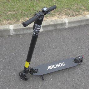 On a essayé le scooter et la trottinette électriques d'Archos
