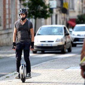Hoverboards, gyroroues, gyropodes et trottinettes électriques parcourent la ville