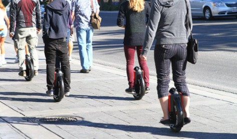 Circulation sur les trottoirs, du piéton aux hoverboards quelle règlementation ?