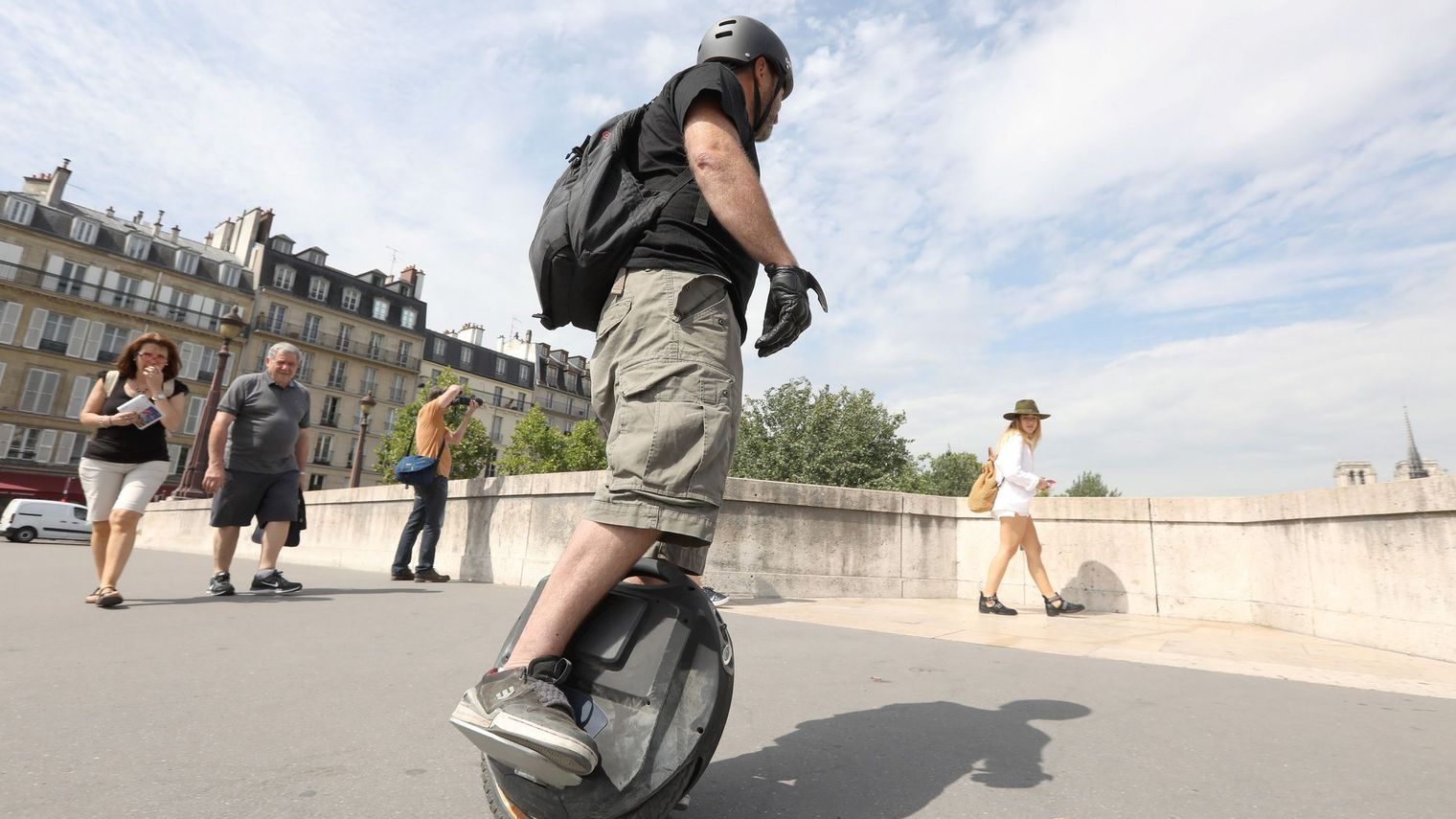 Trottinettes, monoroues, skateboards électriques… La roue réinventée