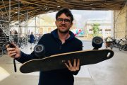 Bordeaux: 30 km/h, léger, pratique… Le skate électrique débarque grâce à la start-up Elwing Board