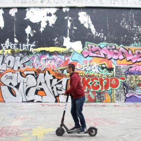 Paris : le match des trottinettes électriques