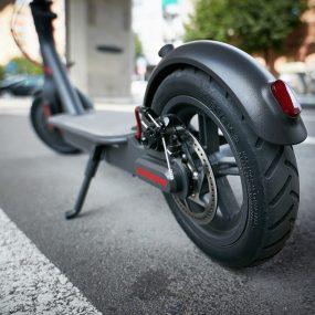 La trottinette électrique bientôt bannie des trottoirs