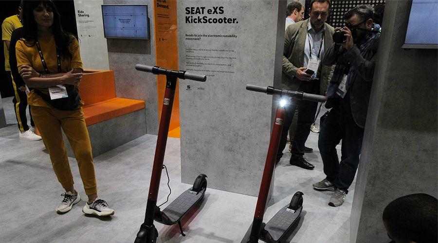 Segway développe la eXS KickScooter, une trottinette pour Seat