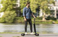 Audi présente la E-tron Scooter, une trottinette électrique inspirée du skateboard, à 2000€