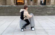 La Poimo, une trottinette électrique gonflable à transporter dans votre sac à dos