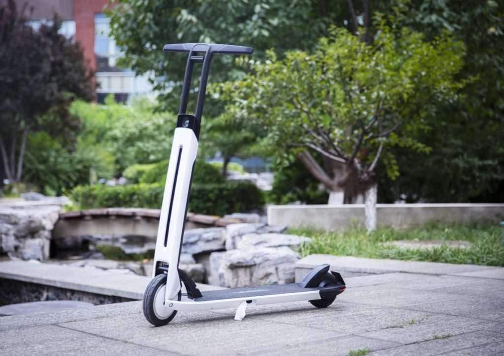 Segway Ninebot lance sa nouvelle trottinette électrique pliable Air T15